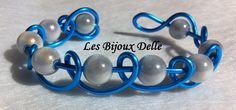 Bracelet fil aluminium turquoise, perles magique argenté