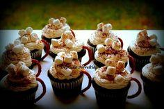 Hot cocoa mug cupcakes