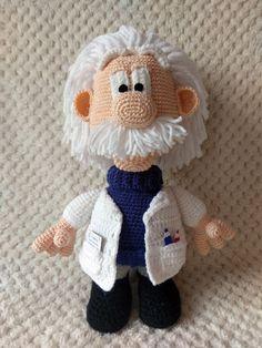 Professor Einstein #crochet #amigurumi #szydełkowezabawki #rękodzieło #handmade
