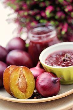 Čatní švestkové Jam And Jelly, Pesto, Chutney, Easy Dinner Recipes, Pickles, Kimchi, Plum, Food Porn, Food And Drink