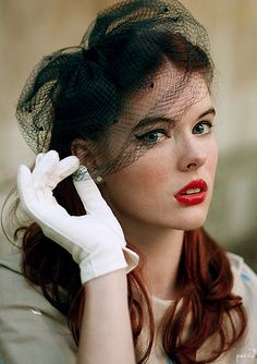 Hat inspiration for holiday fun Vintage Girls, Vintage Dresses, Vintage Outfits, Vintage Fashion, Vintage Style, 50s Hairstyles, Vintage Hairstyles, Wedding Hairstyles, Retro Updo