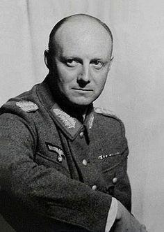 Henning von Tresckow was niet veel ouder dan veertig en een van de jongste generaals van de Wehrmacht. De man zonder adem (A Man Without Breath, 2013)