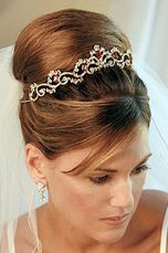 Like the style of the tiara not colours