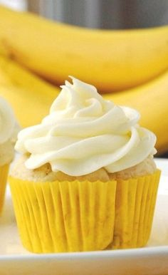Banana Cupcakes with Cream Cheese Frosting Recipe | Blissfully Delicious