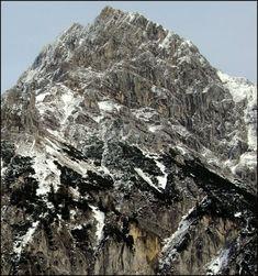 Centauri Kegyetlen Werner Herzog hegycsúcs hegymászás Werner Herzog, Mount Everest, Mountains, Nature, Travel, Naturaleza, Viajes, Trips, Nature Illustration