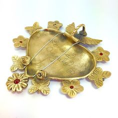 "BACK VIEW- Milagro Heart ""Guardian Angel"" - ©2015 Lorena Angulo- Bronze and Garnets- Brooch/Pendant Heart Jewelry, Jewelry Art, Jewelry Design, Metal Clay Jewelry, Enamel Jewelry, Sacred Heart, Wearable Art, Angels, Mix Media"