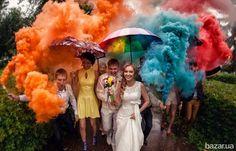 Цветной дым - отличное дополнение к свадебному торжеству и любому празднику.  Добавьте к своим свадебным фото море цвета, огня и настроения....