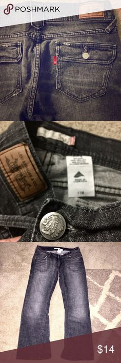 """Levi's 504 Slouch Flare Black Distress Flap Pocket Unique looking pair of black jeans right here. These are the 504 SLOUCH FLARE from Levi's. Size 11M with a little 28"""" inseam so a little in the shorter side. It they're Low...cute distressing throughout. Back flap pockets ARE functional. Broken in but hardly any sign of wear. 99% Cotton 1% Lycra Spandex. Please let me know if you have any questions. I bundle 10% off 2+ in my closet & ship Daily. Thanks so much for looking! Levi's Jeans Flare…"""