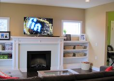 Interior, : Killer Picture Of Living Room Decoration Using White Wood Shelving Around Fireplace Including Cream Living Room Wall Paint And Unique Clear Glass Tile Fireplace Surround Craftsman Living Rooms, Living Room Modern, Cozy Living, Small Living, Living Spaces, Farmhouse Fireplace Mantels, Fireplaces, Fireplace Ideas, Craftsman Fireplace