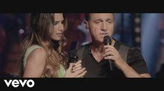 Music video by Franco De Vita feat. India Martínez performing Cuando Tus Ojos Me Miran. (C) 2013 Sony Music Entertainment US Latin LLC
