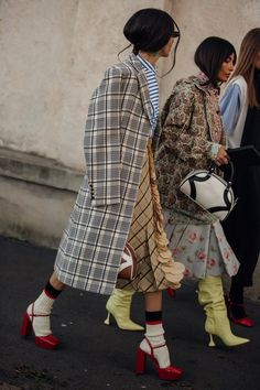 Street style, i look dalla Milano Fashion Week Men's AI - Fashion Trends Fashion Weeks, Fashion 2020, Look Fashion, Winter Fashion, Fashion Trends, Milan Fashion, Vogue Fashion Week, Curvy Fashion, Fashion Boots