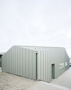 Hangar XS by Ecker Architekten 5