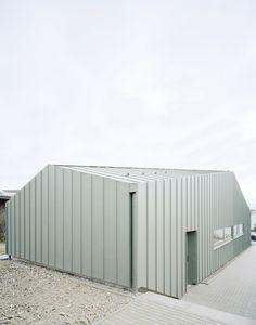 Hangar XS by Ecker Architekten 5