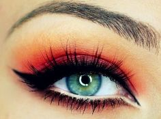 If only I had red or black hair. I think this eye make up is amazing for green eyes.  Master the Art of Eyeliner | Fashion Style Magazine
