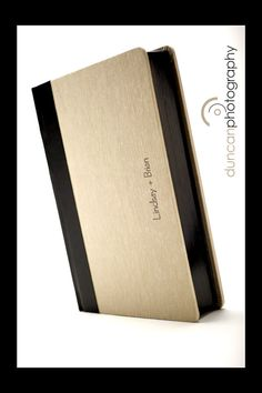 300 Hingeless has rounded corners on the cover a gilding on the edges of the pages. This book showcases Black gilding.