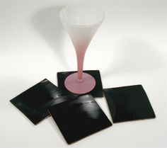 Set of 4 Black Vinyl Record Album Coasters - idea Record Bowls, Dyi, Recycled Art, Repurposed, Any Music, Cool Things To Make, Fun Things, Music Gifts, Business Card Holders
