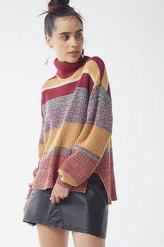 89153e2f328 UO Pullover Turtleneck Sweater