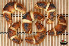 Dnes nám na web přibyly sladké makové loupáky, samozřejmě jak jinak recept je včetně bezlepkové varianty. Gluten Free Cakes, Gluten Free Baking, Bagel, Muffin, Low Carb, Sweets, Bread, Breakfast, Recipes