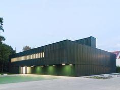 best architects architektur award // schulz & schulz architekten / Einfeldsporthalle Franz-Mehring-Schule Leipzig / best architects 13 in Gold / Öffentliche Bauten