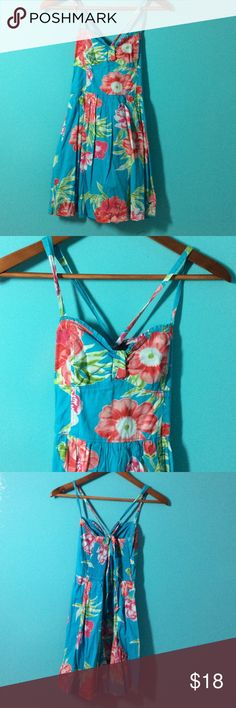 HOLLISTER Floral Dress HOLLISTER Floral Dress. Elastic back. Fully lined 100% cotton. Skirt length is 17 1/2 inches Hollister Dresses