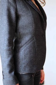 ladulsatin - Sewing blog - Self-drafted blazer - welt pocket detail
