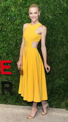 Jaime King's sunny Michael Kors dress got a serious dose of sexy from those side cutouts.
