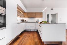 Küchen In U Form, Gladstone, New Homes, Kitchen Cabinets, House Design, White Kitchens, Tricks, Design Inspiration, Home Decor