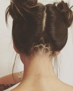 50 Adorable Undercut Hairstyles For Women — Catch the Trend Check more at http://hairstylezz.com/best-undercut-hairstyles-women/