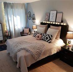 New room decor for teen girls pretty bedroom ideas 24 ideas Girl Bedroom Decor, Bedroom Decor, Small Room Bedroom, Room Ideas Bedroom, Gold Bedroom, Woman Bedroom, Bedroom Design, Small Bedroom, New Room