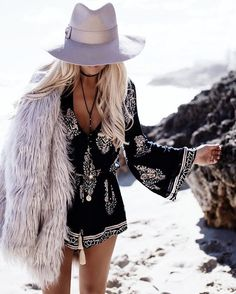 Staying cosy on my beach wanders  wearing @whitefoxboutique romper + #fauxfur jacket  @bobbybense #mermaidlife