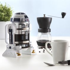 This R2-D2 Coffee Press Is A Star Wars Fan's Dream Come True