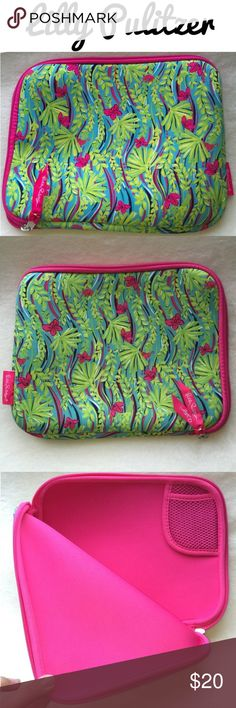 Beautiful Lilly Pulitzer iPad Case ❤️ Lovely Lilly Pulitzer Regular Size iPad Zipper Sleeve Case! ❤️ Classically gorgeous pattern! Gently loved condition. Lilly Pulitzer Accessories Tablet Cases