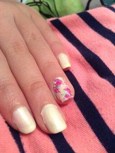 Flower accent nail design