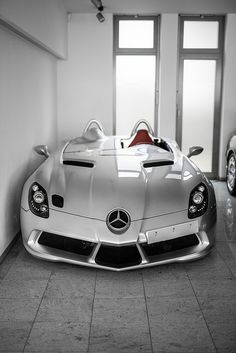 Mercedes Benz SLR Stirling Moss - Cars and motor Luxury Sports Cars, Top Luxury Cars, Sport Cars, Exotic Sports Cars, Mclaren Slr, Mclaren Autos, Lamborghini Cars, Bugatti, Ferrari