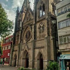 De rosetones y arcos en punta #architecture #gothic #vsco #vscocam  (at Parroquia de Nuestra Señora del Rosario)