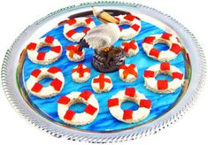 Life Rings & Crab Buoys Hors d'oeuvres for a kids party you could change to powdered doughnuts and cut stripes of fruit roll ups Nautical Food, Nautical Cake, Nautical Party, Old Fashioned Recipe Card, Fruit Roll Ups, Beach Meals, Cute Food, Kids Meals, Favorite Recipes