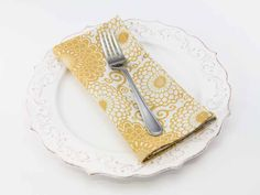Zinnia Dinner Napkin in Goldenrod from Southern Sisters Home