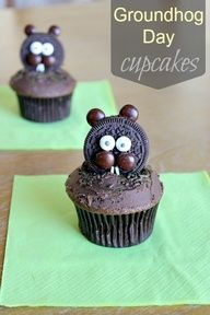 Groundhog Day is Feb. Celebrate with these Groundhog Day Crafts, Activities and Cupcakes Cute Cupcakes, Cupcake Cookies, School Cupcakes, Party Cupcakes, Frosting For Chocolate Cupcakes, Chocolate Sprinkles, Sugar Sprinkles, Oreo, Groundhog Day