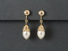 Vintage ParkLane Pearl Drop Earrings from  ShinyShelly on Etsy