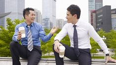 13 habits of exceptionally likable people!  Feature-Image