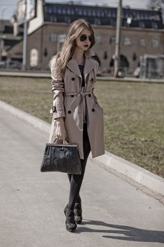 Zara Trench Coat; Vintage Bag Zara, Everyday Fashion, Burberry, Winter Fashion, Cute Outfits, Street Style, My Style, Jackets, Vintage Bag
