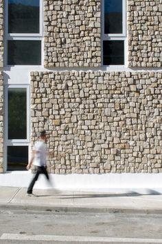 Image 17 of 30 from gallery of Alto del Carmen Town Hall / Espiral + Iglesis-Prat Arquitectos. Courtesy of Espiral