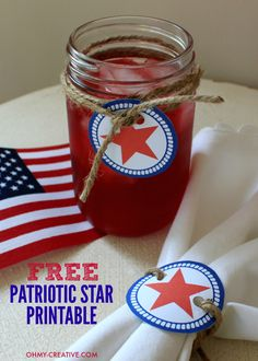 With a little twine, these Free Patriotic Star Printable are perfect to use as napkin rings or to decorate holiday drinks. Write the guests names on the back - no drink mix-ups!   |   OHMY-CREATIVE.COM
