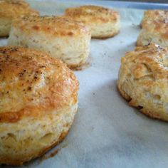Make delicious Buttermilk Biscuits the whole family can enjoy with this gluten-free buttermilk biscuits recipe from Cup 4 Cup.