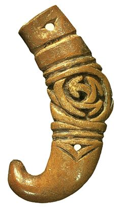 Accessories of lacquering made with a staghorn. Jomon-era. BC.1,200 - BC.800.   Aomori Japan.