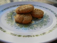#vegan Peanut Butter Cookies made with whole wheat flour.