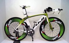 It Takes More Than Price In Picking A Triathlon Bicycle - Bike riding Velo Design, Bicycle Design, Road Bikes, Cycling Bikes, Bici Fixed, Bike Cargo Trailer, Road Bike Accessories, Folding Mountain Bike, Trial Bike
