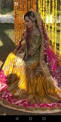 Pakistani Mehndi Dress, Bridal Mehndi Dresses, Asian Bridal Dresses, Pakistani Wedding Outfits, Bridal Dress Design, Pakistani Bridal Dresses, Pakistani Wedding Dresses, Wedding Dresses For Girls, Bridal Outfits