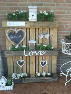 69 Good idea with pallets! Source: Ineke : Good idea with pallets! - 69 Good idea with pallets! Source: Ineke : Good idea with pallets! Source: Ineke van Coevorden on F - Cage Deco, Landscaping Software Free, Facebook Flower, Diy Projects For Beginners, My Face Book, Garden Beds, Balcony Garden, Herb Garden, Garden Landscaping