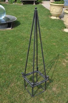 My Favorite Planter Obelisk - Garden Accents Patio Trellis, Arbors Trellis, Flower Trellis, English Garden Design, Aquaponics Kit, Patio Planters, Metal Yard Art, Garden Yard Ideas, Unique Gardens